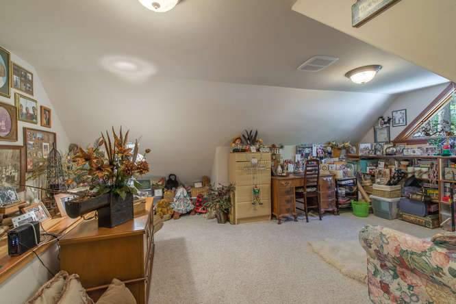 132 Boulder Dr Clio CA 96106-small-038-6-DSC 0009-666x445-72dpi